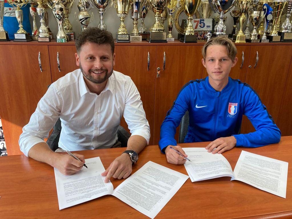 Natan Wierzchowski podpisał profesjonalny kontrakt z Polonią